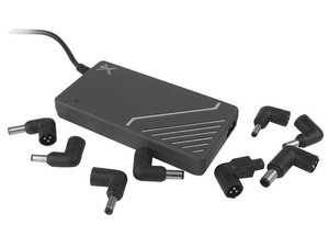 Adaptador de Corriente Universal Slim Perfect Choice con 9 puntas intercambiables.