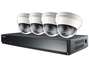 Kit de seguridad Samsung con DVR SRN-437S de 4 canales y 4 cámaras IP tipo Domo SND-L6013R, Incluye disco duro de 1 TB.