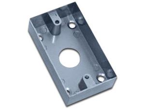 Caja de instalación para botón liberador de puerta YLI MBB800AM.