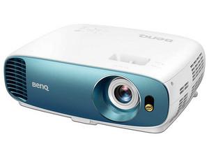 Proyector Benq TK800M, resolución de 4K UHD (3840 x 2160), Contraste 10,000:1 y 3,000 ANSI-Lumens.