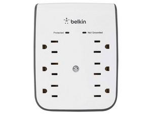 Multicontacto con supresor de picos Belkin de 6 contactos.