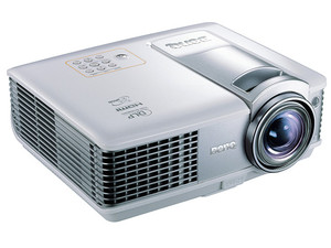 Proyector BenQ MP512 ST, Resolución de 800X600 y 2,200 lúmenes.